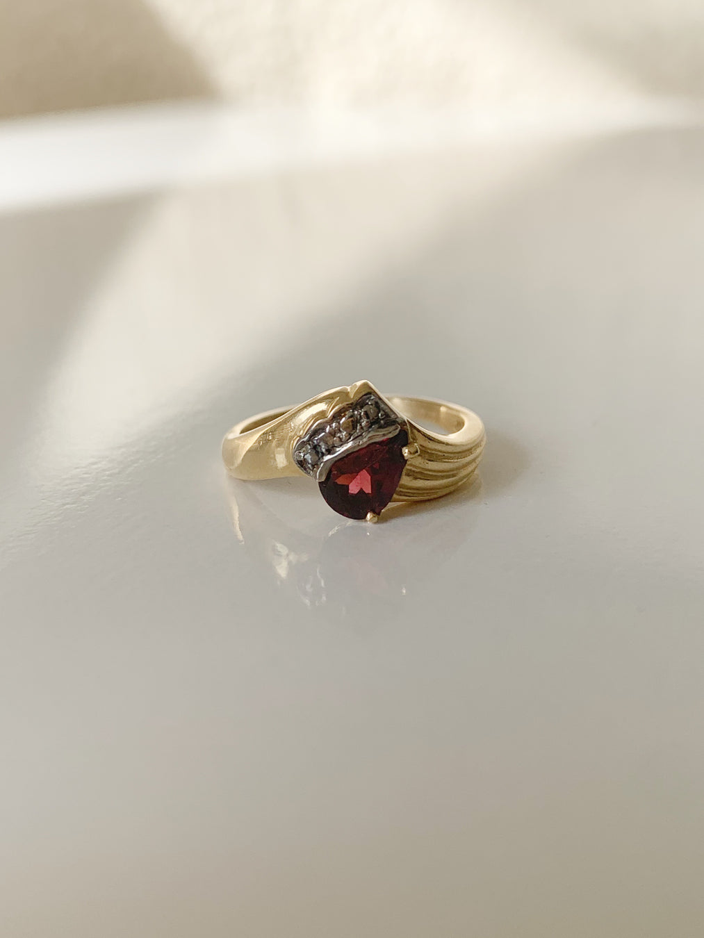 14k Pear Red Garnet Pleated Ring