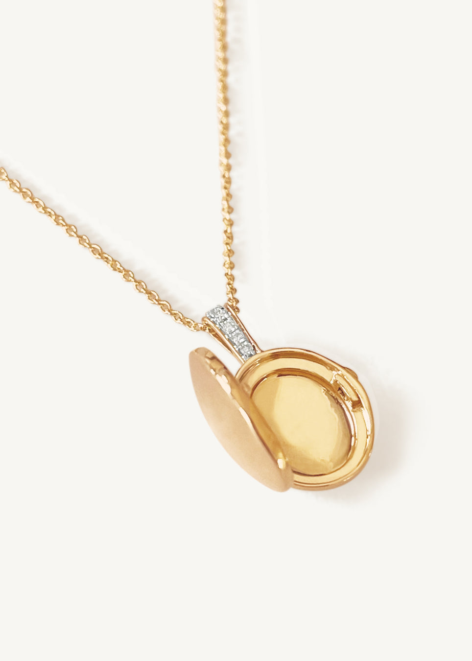 Maison Oval Locket II (Pendant Only)