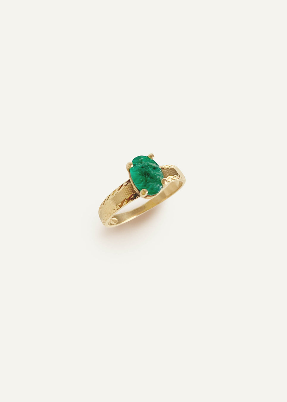 14k Oval Emerald Ring