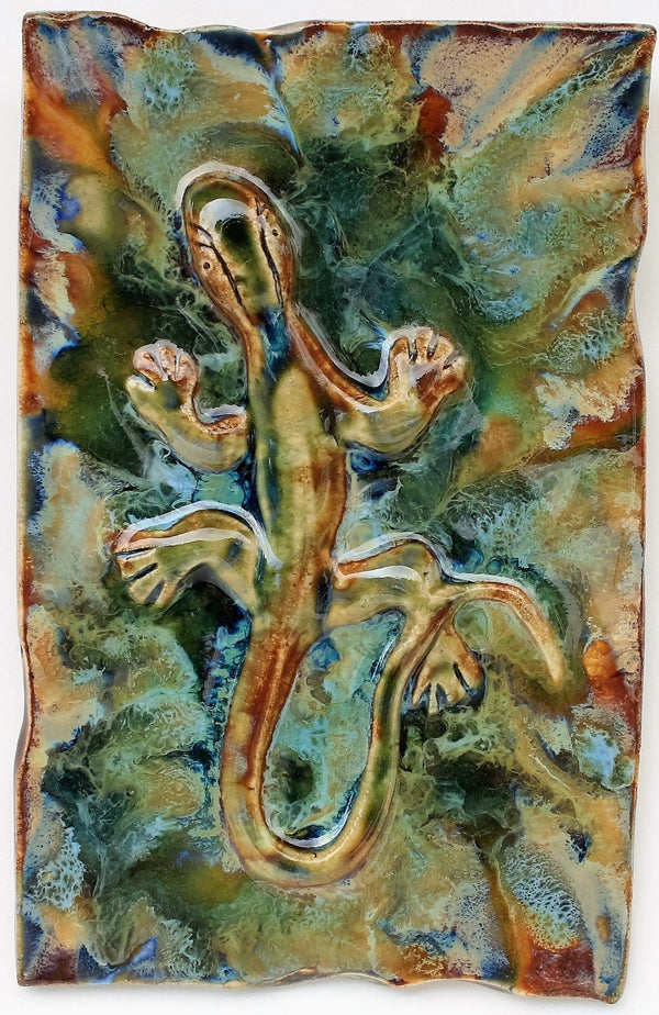 Gecko Wall Hanging, Ceramic Gecko Tile, Kitchen Backsplash with Gecko Relief Design, Gecko Bathroom Tile, Gecko Shower Tile, Gecko Jacuzzi Tile, Gecko Shower Tile, Gecko Wall Tile, Maui Gecko, Hawaiian Gecko, Gecko Decor, Gecko Wall Art, Gecko Décor, Gecko Wall Art, Maui Ceramics Gecko