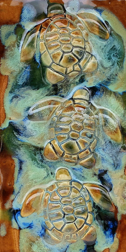sea life art, turtle gift, turtle wall art, ceramic sea turtles, green sea turtle, decorative wall tile, Tropical art,  sea turtle art, beach turtle decor, made on maui turtle, made in maui turtle, maui ceramic turtles, hawaiian sea turtle, kitchen turtle tile, kitchen backsplash, kitchen and wall décor, kitchen wall art décor, kitchen turtle décor, kitchen wall art, kitchen tile art, ceramic kitchen tiles, tile backsplash