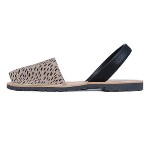Mancha Avarcas Sandals in Lynx Look