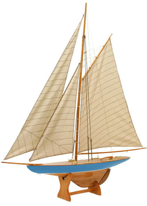 Defender Model Yacht - Blue Hull