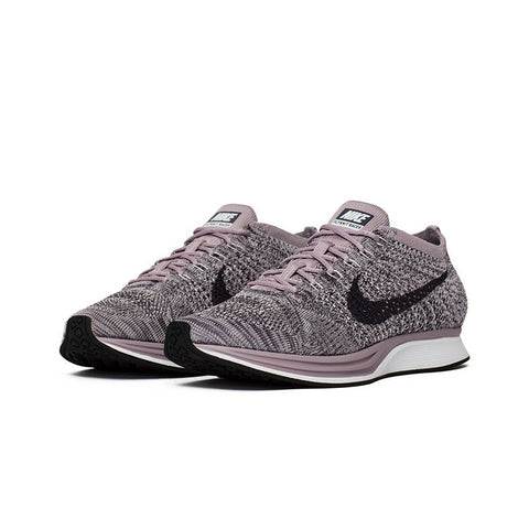 Nike Men's Flyknit Racer Running Shoe