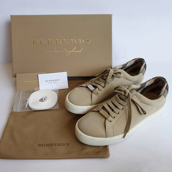 Burberry Sneakers, size 37.5