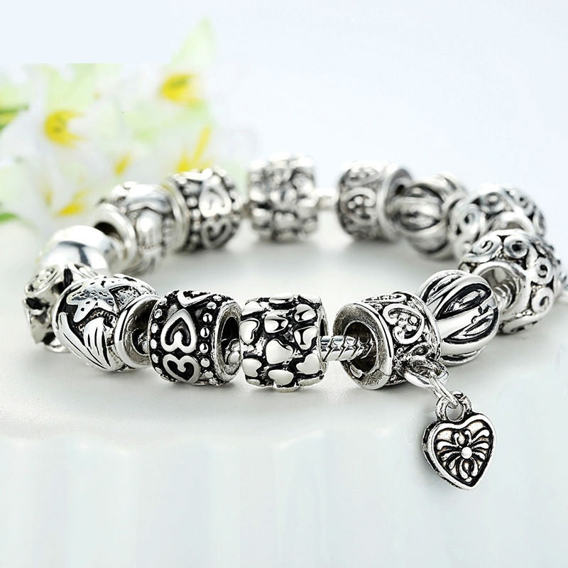Elegant Vintage Style Silver Plated Bracelets with 3 Heart Pendants