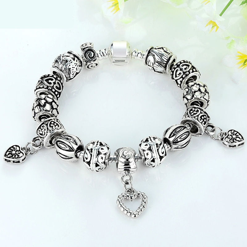 Elegant Vintage Style Silver Color Charm Bracelets with 3 Heart Pendants