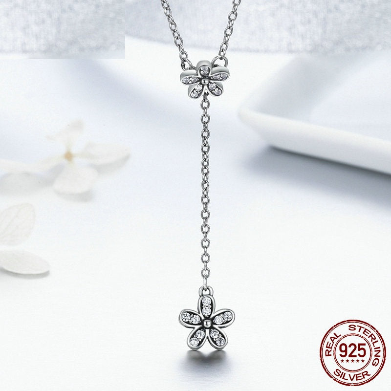 Daisy Flowers Pendant Necklace crafted from Silver and Crystals