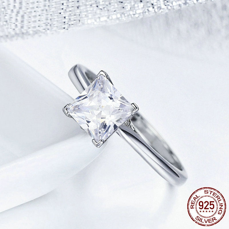 High Quality Elegant Finger Ring for Women Crafted from Platinum Coated Silver and Crystal