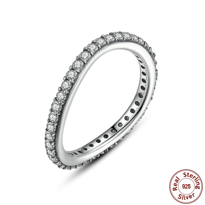 Elegant Irregular Round Shape Finger Ring Crafted from Silver and Paved with crystals
