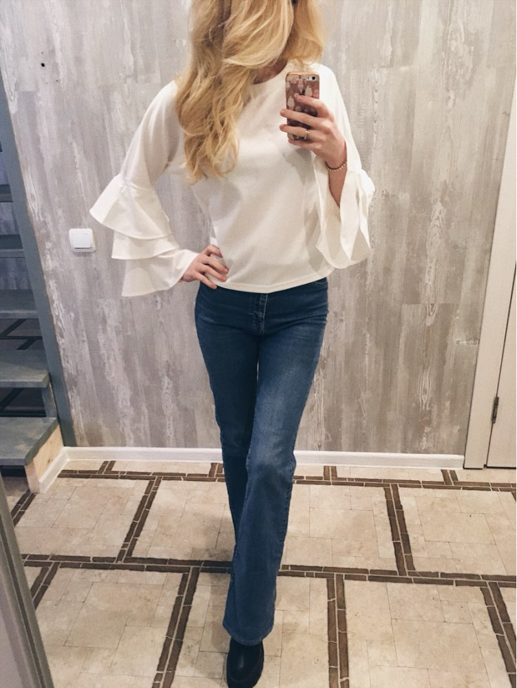 Women's Elegant Round Neck White Top with Ruffle Long Sleeves