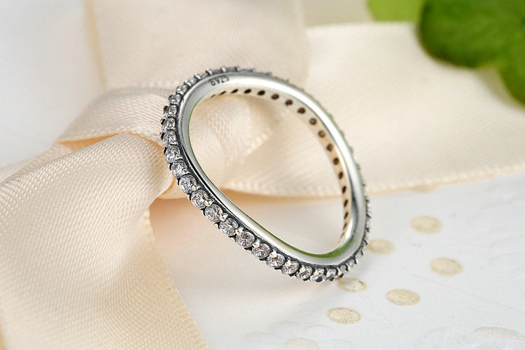 925 Sterling Silver Rings for Women with Slightly Irregular Round Shape and Cubic Zirconia Crystals