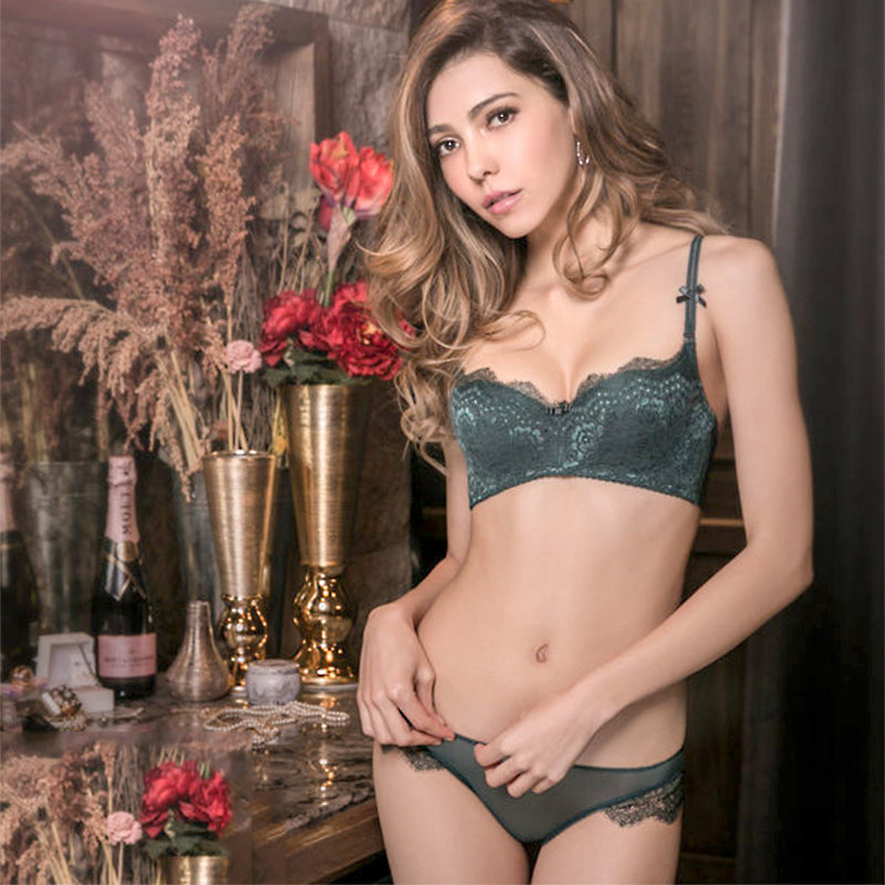 Sexy Thin Brassiere and Lace Underwear Sets in 4 Colors and 15 Sizes (70A to 85D)
