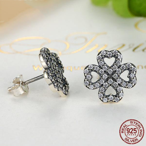 Simple yet Cute Crystal Studded Flower Jewelry Set Crafted from Silver
