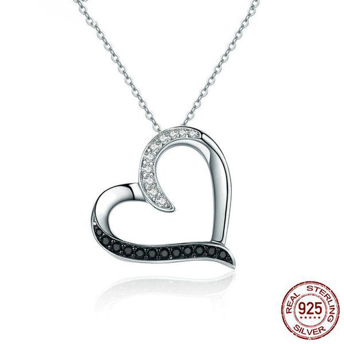 Gorgeous Contrast Heart Shaped Pendant Necklace Crafted from Silver and Crystals