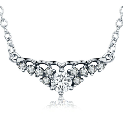 Vintage Style Gorgeous Pendant Necklace crafted with Silver and Diamonds like Crystals