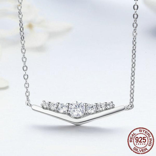 Elegance of Glittering Diamonds- Gorgeous Pendant Necklace for Women Crafted from Silver and Crystals