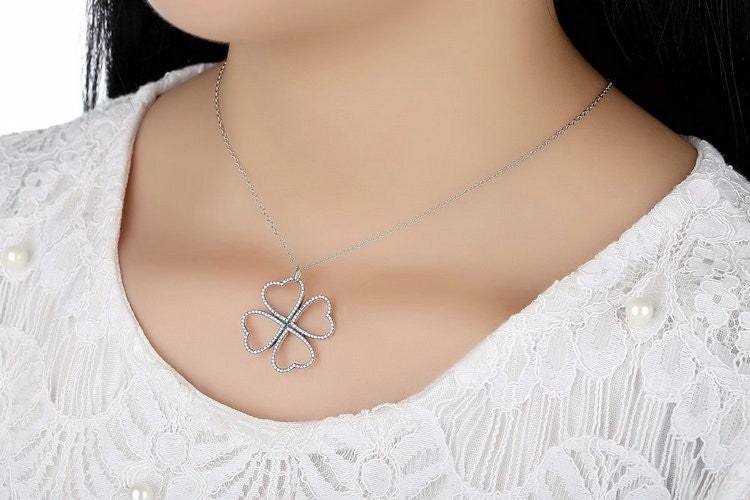 Simple yet Cute Crystal Studded Flower Pendant with Chain Crafted from Silver