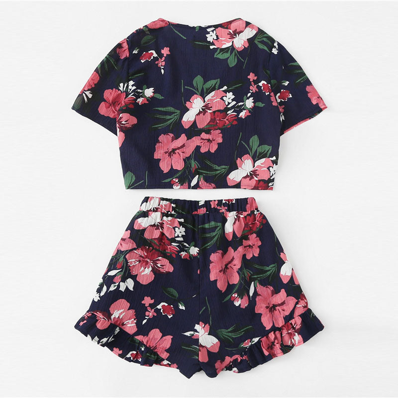 Women's Cute & Sexy 2 Piece Set with a Front Knotted Floral Crop Top and Shorts
