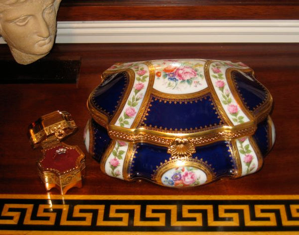 "Fontaine Bleau Chest w Flowers -  JEWELRY BOX - 4 of 50 - Penicaud Factory - Champs Elysees - Limited Edition - EXTREMELY RARE - Limoges Box - 9"" x 7"" x 5"""