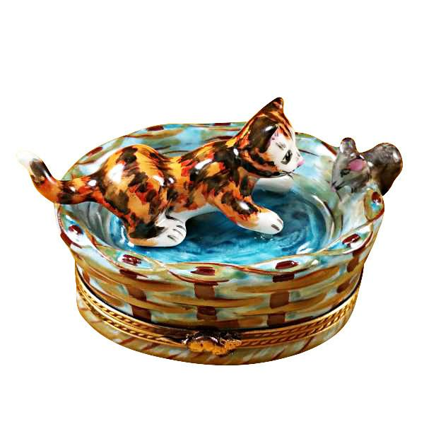 CAT IN BASKET W/MOUSE LIMOGES BOXES - Limoges Boxes Porcelain Figurines