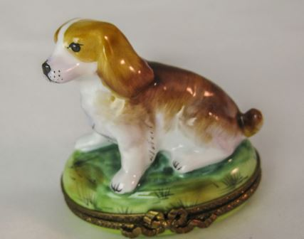 Beagle on Grass - RARE RETIRED - 3 Extra Days to Ship