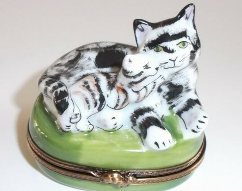 Cat w Kitten Limoges Box - This will take 3 xtra Days to Ship
