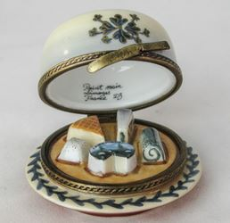 Cheese Platter in Dome - EXTREMELY RARE RETIRED - 3 Extra Days to Ship