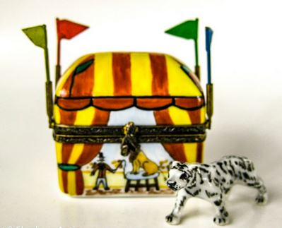 Small Circus Tent w Tiger  - EXTREMELY RARE RETIRED - 3 Extra Days to Ship