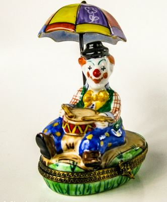 Clown w Umbrella  - EXTREMELY RARE RETIRED - 3 Extra Days to Ship