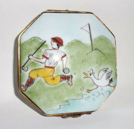 Golfer w Duck Golfing Box Playing Sports