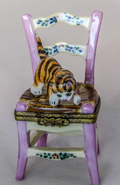 Cat playing on Chair - RARE RETIRED - 3 Extra Days to Ship