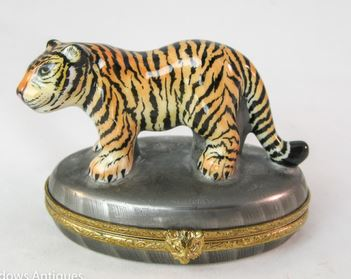 Tiger on Oval - RARE RETIRED - 3 Extra Days to Ship