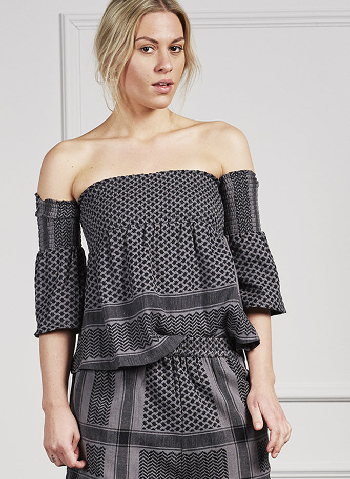 Smash top with open shoulder