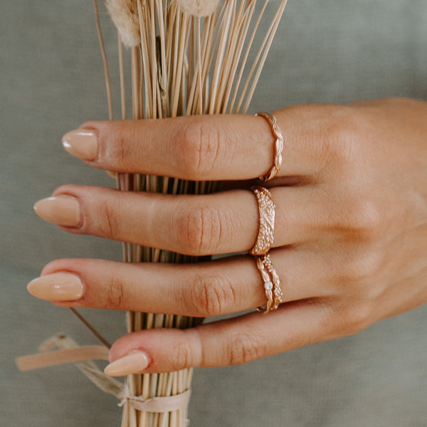 antique style diamond ring in yellow gold