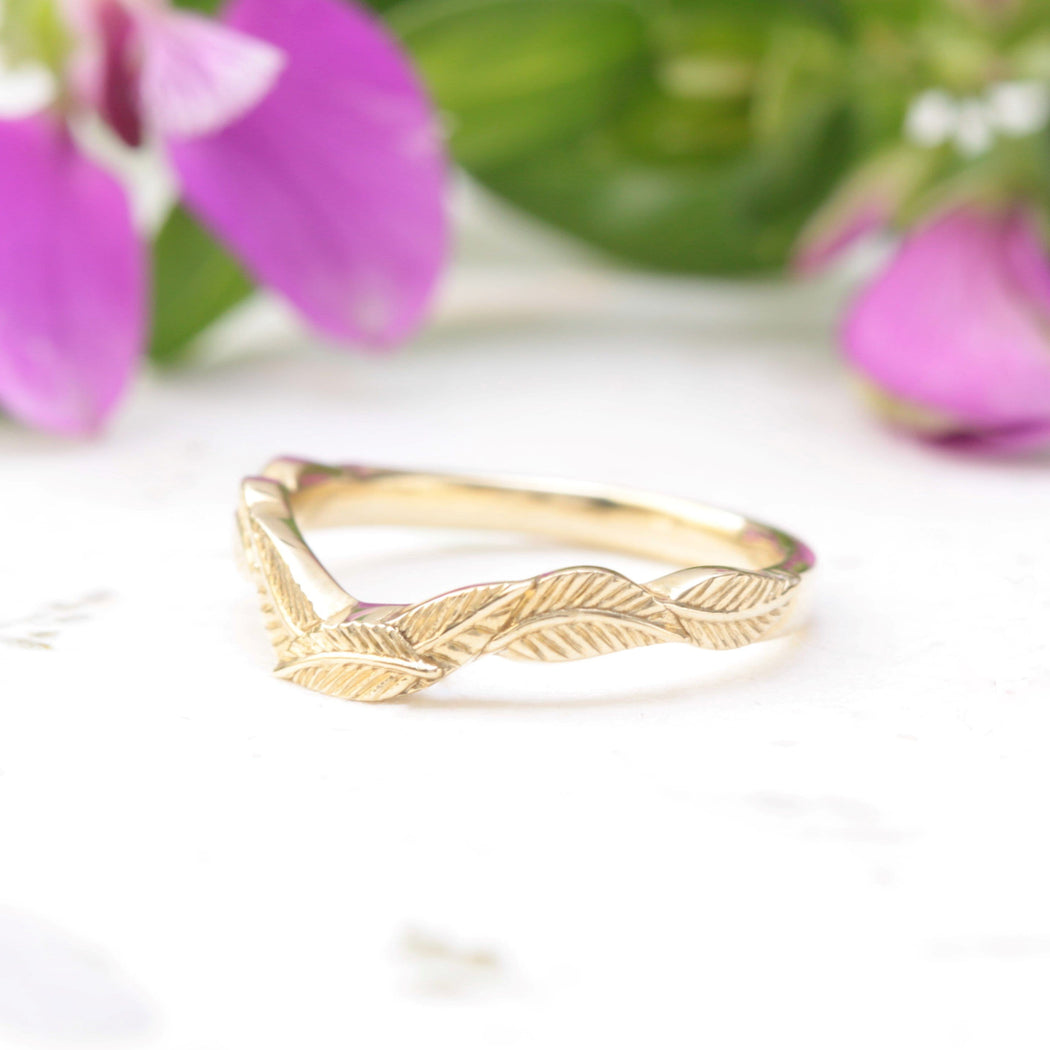 curved leaf wedding band yellow gold