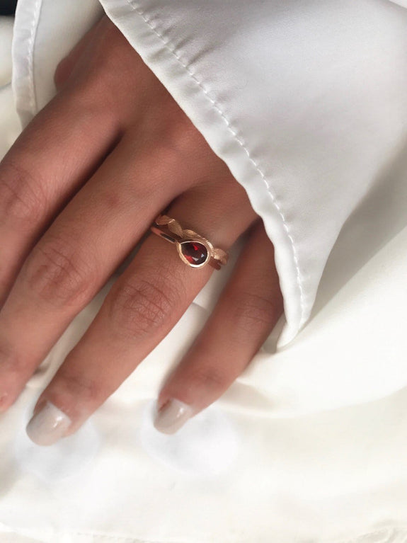 rose gold leaf ring with garnet ring