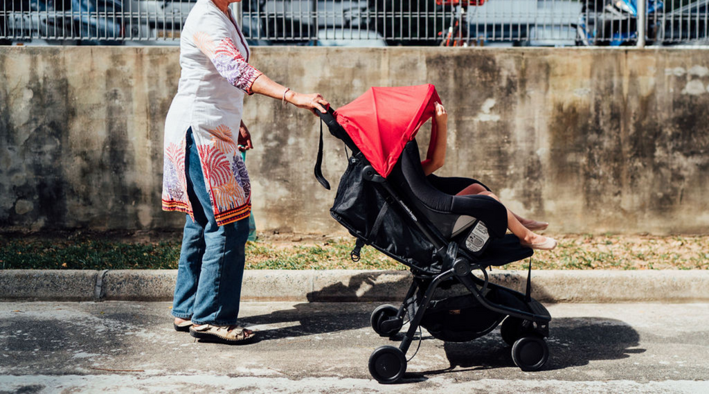 The best taxi-friendly car seat and compact pram for a 1yo