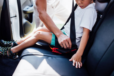 Get around safely with the portable mifoldONE booster seat — it weighs 700g only!