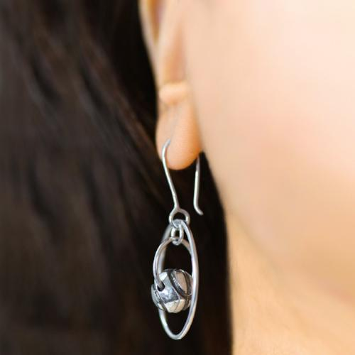 Endearingly Encircled - Hoop Earrings - Aliame