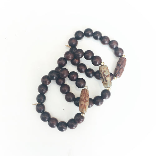 Amber rosewood bead bracelet by Alexis Corry | Lex & Zach Top Travel Products