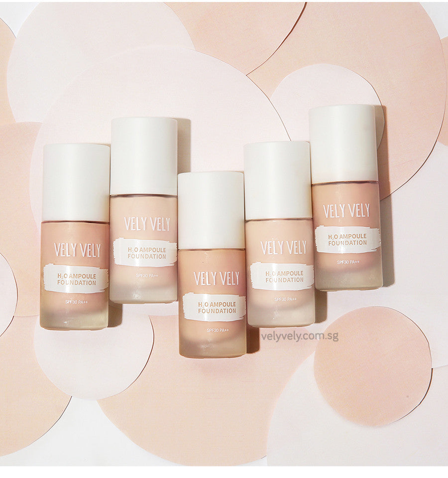 Flatlay of Vely Vely's H20 Ampoule Foundation