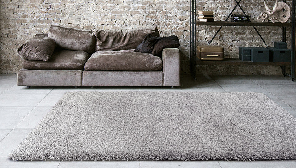 Adgo Vernazza Collection Modern Contemporary Live Grey Design Jute Backed Area Rugs Tall Pile Height Well Spaced Soft and Fluffy Indoor Floor Rug