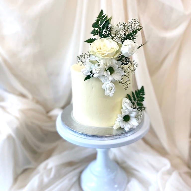 Fresh Florals  |  Buttercream Iced Cake with Fresh Flowers