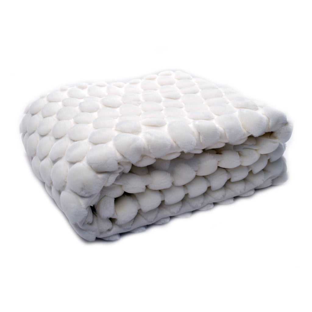Ceannis Egg White Throw fake fur NEW!