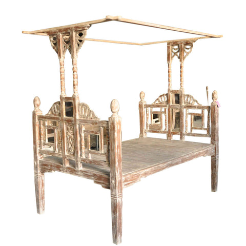 Canopy Bed With Mirror Inlay