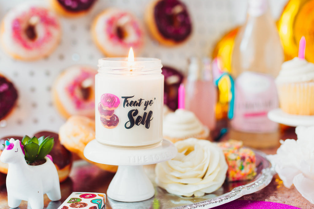 Birthday Present | Mother's Day Gift | Soy Candle | All-Natural | Donut Themed | Personalized | Custom Message | Gift for Mom | Wife
