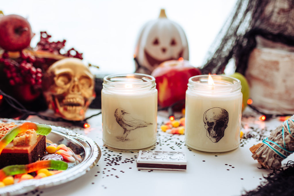 Skull and crow two candle halloween soy candle gift set