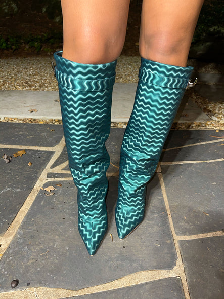 Wavy Boots