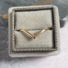 solid gold wishbone ring